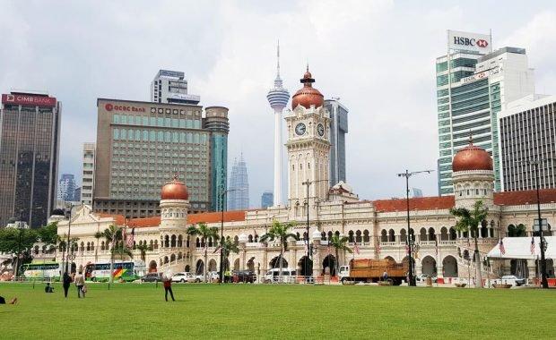 Quảng trường Độc Lập – Quảng trường với cột cờ cao nhất thế giới tại Kuala Lumpur