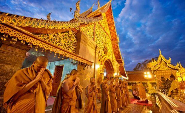 Wat Doi Suthep – ngôi chùa nổi tiếng linh thiêng nhất Chiang Mai
