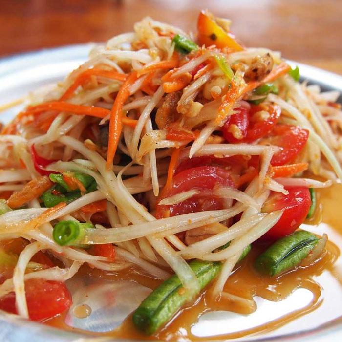 Món gỏi đu đủ trứ danh ở Thái
