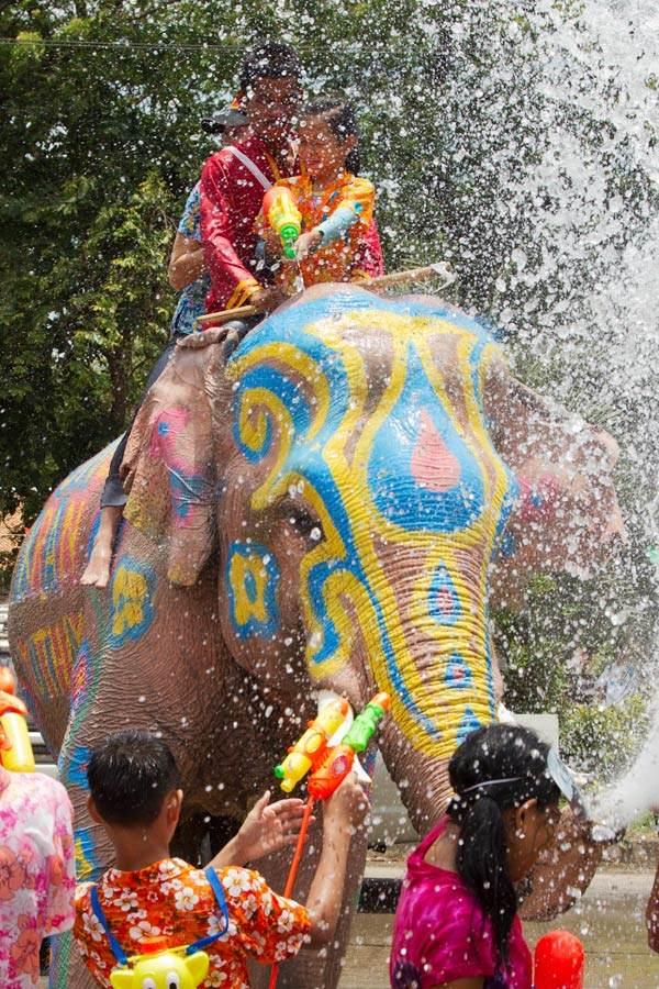Lễ hội hàng năm ở Thái Lan: Songkran