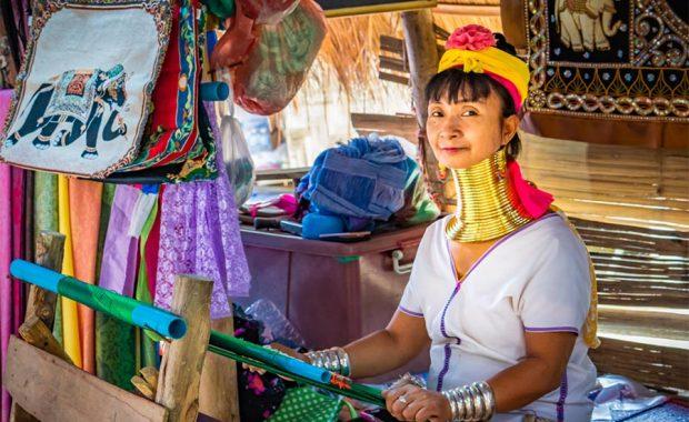 Chuyện về tộc người cổ dài ở Karen Long Neck Village (Chiang Mai)