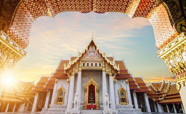 Wat Benchamabophit – ngôi chùa cẩm thạch kỳ lạ ở Bangkok