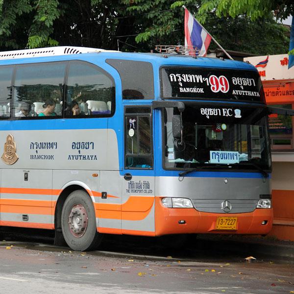Đi Ayutthaya từ Bangkok bằng xe bus