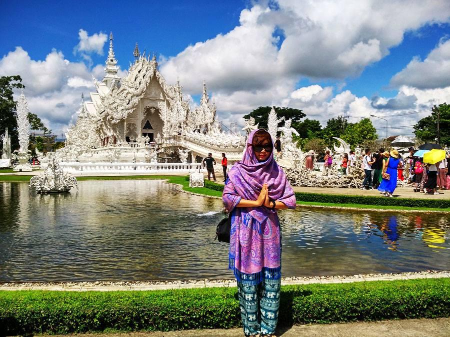Đi du lịch Thái Lan nên mặc gì khi đến chùa