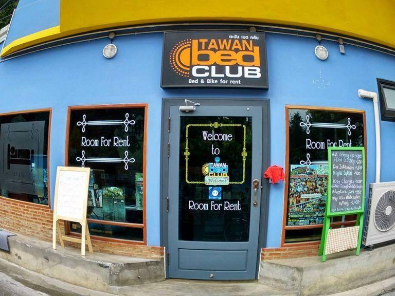 Cửa hàng cho thuê xe máy ở Chiang Mai