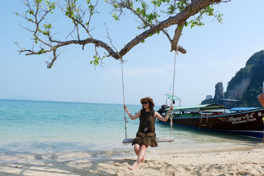 Trang phục đi du lịch biển Thái Lan