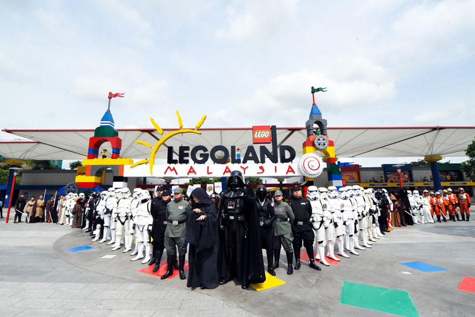 Vui chơi tại công viên Legoland Malaysia