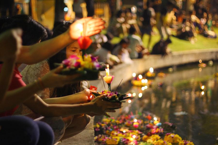 Lễ hội Loy Krathong ở Bangkok Thái Lan